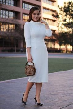 preppy style outfits plus size Green Lace Dresses, Ivory Dresses, Modest Dresses, Modest Outfits, Classy Outfits, Modest Fashion, Casual Dresses, Fashion Dresses, Jessica Parker