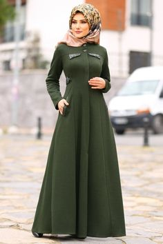 Modern Hijab Fashion, Abaya Fashion, Muslim Fashion, Bollywood Fashion, Fashion Dresses, Hijab Chic, Hijab Style Dress, Color Verde Militar, Abaya Mode