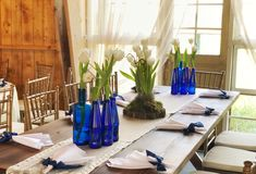 #atelierdual #bucharestflorist #florist #wedding Wedding Centerpieces, Wedding Table, Atelier Design, Design Floral, Glass Vase, Table Decorations, Furniture, Home Decor, Decoration Home