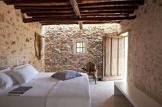 Kelosa-08-Ibiza-Santa-Eulalia-Charming-reformed-finca–near-Morna-Valley