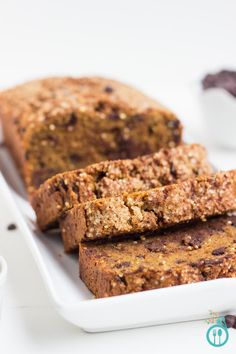 Pumpkin Chocolate Chip Quinoa Bread - a delicious, simply and easy quick bread that loaded with flavor and seasonal goodies!