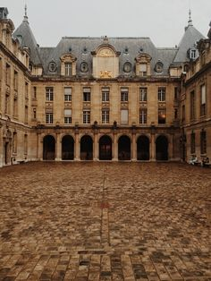 La Sorbonne/University in Paris / photo by Brandon Babcock The Places Youll Go, Places To See, Montecarlo Monaco, Look Vintage, Paris Photos, Beautiful Architecture, France Travel, Places To Travel, Around The Worlds