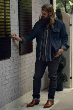 Chris Stapleton Concert, Country Music Artists, Music Lyrics, Cowboys, Happiness, Star, My Style, Gold, Clothes
