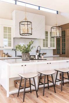 Kitchen Inspirations, decor ideas for kitchens, kitchen layout, farmhouse kitchen decorations, dining room Küchen Design, Interior Design, Design Ideas, Design Trends, Design Inspiration, Design Hotel, Design Styles, Creative Design, Rustic Home Interiors