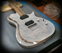 Kiesel Guitars Carvin Guitars SCB6 in Translucent white over flamed maple top