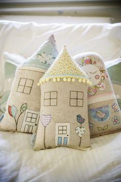Little love bird house cushion