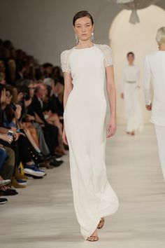 17 Designer Gowns We Can't Wait to See on the Red Carpet This Awards Season White Outfits, Pretty Outfits, Dress Outfits, Dress Up, Teen Vogue Fashion, High Fashion, Red Carpet Looks, Designer Gowns, Hollywood Glamour