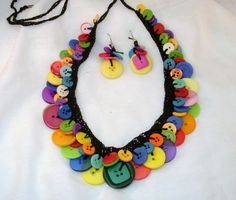 I love the bright colors and the placement of different sizes. Cuuute!