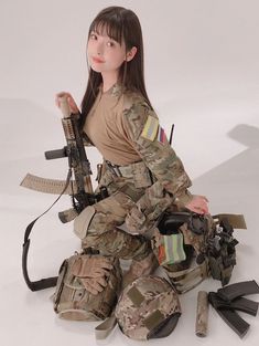 Amazing WTF Facts: Cute Asian Girls With Guns - Japanese Cosplay Armed Schoolgirls Cute Asian Girls, Beautiful Asian Girls, Cute Girls, Elfa, Cute Japanese Girl, Female Soldier, Military Women, Cosplay Girls, Airsoft