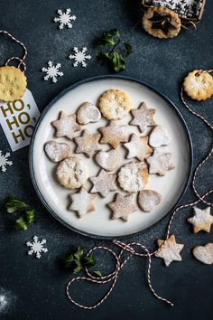 The best sugar cookie ricipes are simple and delicious. We have of the best sugar cookie recipes just in time for fall baking. Christmas Sugar Cookie Recipe, Sugar Cookies Recipe, Christmas Baking, Christmas Fun, Christmas Cookies, Cookie Recipes, Holiday Baking, Christmas Pictures, Vintage Christmas