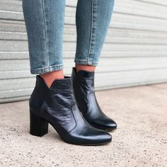 Upgrade your winter look with a pair of our best selling UTTERLY boots in navy metallic #midasshoes #ankleboots #metallicboots #fashion…