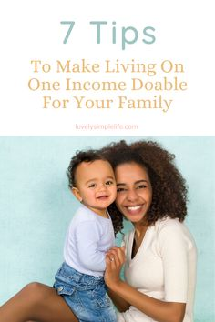 The hacks you need to know to successfully live on one income as a family. Use these money saving tip to make being a stay at home mom possible #singleincome #oneincome #stayathomemom #moneysavingtips Money Saving Challenge, Money Saving Tips, Tracking Expenses, Household Expenses, Earn Extra Cash, Finance Blog, Rewards Credit Cards, Frugal Living Tips, Financial Tips