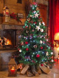 Christmas Fireplace, Christmas Home, Xmas, Christmas Tree Decorations, Holiday Decor, Christmas Trees, Wallpaper Iphone Cute, Months In A Year, Christmas Inspiration
