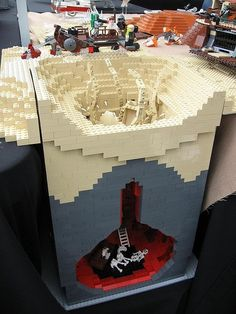 Lego Sarlacc Belly - Star Wars This is so cool! Best scene out of Jedi! Lego Star Wars, Star Trek, Lego Krieg, Legos, Clone Wars, Minifigures Lego, Modele Lego, Van Lego, Karate Kid