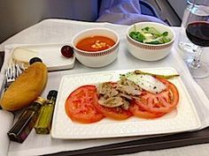 Sure better than peanuts and pretzels. Business Class, Pamplona, Pretzels, Yummy Appetizers, Peanuts, Spain, Chicken, Ethnic Recipes, Food