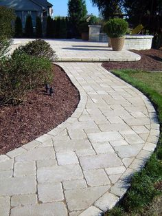 Mounting a Block or Paver Walkway – Outdoor Patio Decor Front Yard Walkway, Front Yard Landscaping, Landscaping Ideas, Pavers Ideas, Pool Ideas, Patio Ideas, Outdoor Landscaping, Shade Landscaping, Walkway Ideas