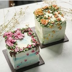 Flower cake - square cakes gives it a different look Pretty Cakes, Beautiful Cakes, Amazing Cakes, Cute Cakes, Cake Decorating Videos, Cake Decorating Techniques, Decorating Ideas, Mini Cakes, Cupcake Cakes