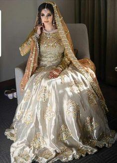 Asian Wedding Dress Pakistani, Asian Bridal Dresses, Pakistani Fashion Party Wear, Bridal Mehndi Dresses, Nikkah Dress, Pakistani Dresses Casual, Bridal Dress Design, Wedding Dresses For Girls, Pakistani Dress Design