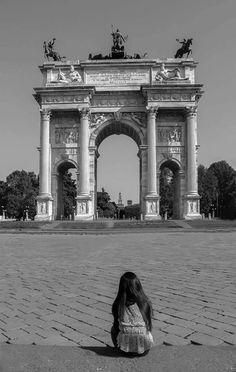 Buongiorno #Milano Dall'Arco della Pace Foto di Claudio Sabatini #milanodavedere Milano da Vedere