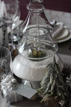 Fake snow and decoration displayed in glass christmas tree glass jar or cloche Christmas Tree Jar, Christmas Holidays, Fake Snow, Rehearsal Dinners, Glass Jars, Wonderful Time, Crafts For Kids, Projects To Try, Crafty