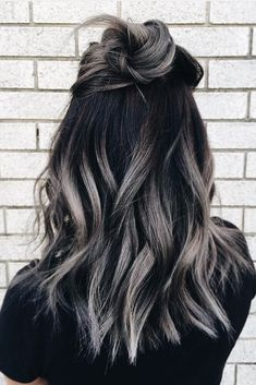 Best ombre hair looks that diversify common brown and blonde ombre hair 1 Silver Ombre Hair, Blonde Ombre, Gray Ombre, Ash Ombre, Black To Grey Ombre Hair, Brown Hair With Silver Highlights, Ombre Colour, Short Ombre, Balayage Hair Dark Black