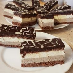 körülnéztem, mi van a konyhában és ez a finomság lett belőle! Sweet Like Candy, Cake Bars, Fancy Desserts, Hungarian Recipes, Cocktail Recipes, Tiramisu, Cake Recipes, Cheesecake, Food And Drink