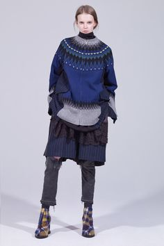 Sacai Pre-Fall 2018 Fashion Show Collection: See the complete Sacai Pre-Fall 2018 collection. Look 32 Knitwear Fashion, Knit Fashion, Fashion News, Womens Fashion, Fashion Trends, Winter Typ, Autumn Fashion 2018, Inspiration Mode, Fashion Show Collection