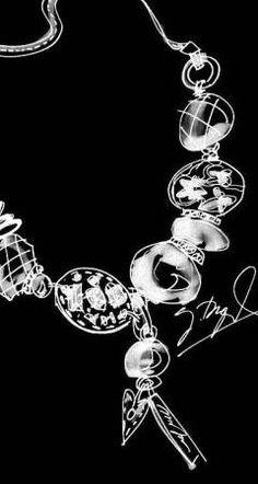 Dyrberg/Kern #Complementos a la venta para profesionales. Toda la información en www.facebook.com/... #vestir #moda #fashion #canarias #moda #showroom #colgantes #anillos #rings #pulseras