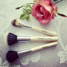 Best makeup brushes!! So pretty n perfect 💕