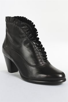 Everbody's Kava Boot in Black