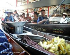 Thai Garküche auf dem Boot Floating, Thailand, Marketing