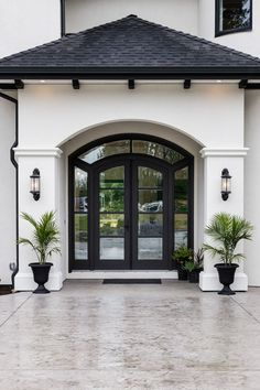 A warm welcome for our guests Dream Home Design, Modern House Design, My Dream Home, Door Design, Exterior Design, Design Room, Design Design, Spanish Style Homes, Spanish House