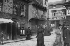 West Bridge Street, Leicester, in about 1900 Old Images, Old Photos, Derby, Leicester England, Life In The Uk, Make Way, Old Street, West End, Virtual Tour