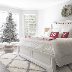 Here are the Christmas Bedroom Decorations Ideas. This post about Christmas Bedroom Decorations Ideas was posted under the Bedroom category. White Bedroom Decor, Home Decor Bedroom, Bedroom Ideas, Budget Bedroom, Bedroom Black, Bedroom Designs, Bedroom Inspiration, Bedroom Furniture, Furniture Design