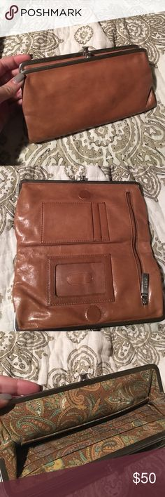 Hobo Wallet Super cute brown hobo wallet. Great condition. Silver hardware HOBO Bags Wallets