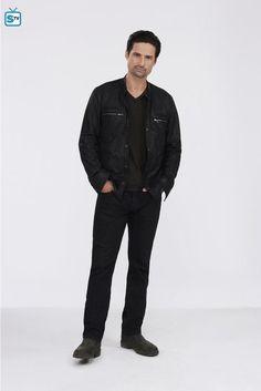 Warren Christie as Ryan Kane Warren Christie, Eye Candy, Winter Jackets, Fandoms, Leather Jacket, Fashion, Winter Coats, Studded Leather Jacket, Moda