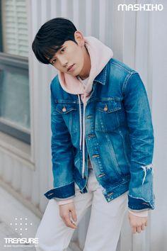 editorial vol 3 Lirik Lagu Treasure, Yoshi, Kpop, Debut Photoshoot, Korean Boy Bands, Treasure Boxes, Profile Photo, Yg Entertainment, Going Crazy