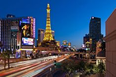 list of a ton of things to do in vegas