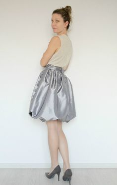 DIY Bubble skirt tutorial - Wanna sew a super adorable and fun skirt? Learn how to make a bubble skirt that is both flattering, has great style and is comfortable.