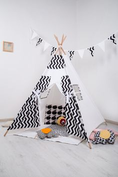 FREE SHIPPING! Children's Teepee Playtent. Teepee kepming, Children's House. Children's tent. Playhouse. Wigwam - pinned by pin4etsy.com