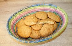 BISCUITI CU FULGI DE COCOS Couscous, Biscuit, Cookies, Desserts, Food, Sweets, Crack Crackers, Tailgate Desserts, Deserts