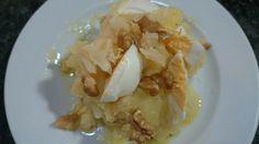 Atascaburras. Patatas, bacalao, huevo duro y nueces.