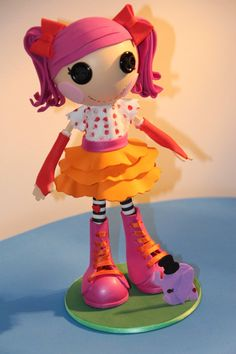 FOFUCHA LALALOOPSY PEANUT (10 Inches Tall)  Used for decoration of rooms, birthday parties, offer to tops of cakes, etc..  This product is prepared by hand 100%, hence the measures may vary significantly, and there are also some models with sizes lower or higher than stated.