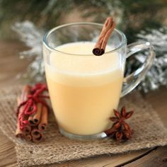 An actually-authentic Indian Chai tea recipe, as made for me by my lovely Indian mother-in-law. Healthy Tips, Healthy Recipes, Chai Tea Recipe, Smoothies, Nutrition, Christmas Cocktails, Snacks Für Party, Tea Recipes, Health Remedies
