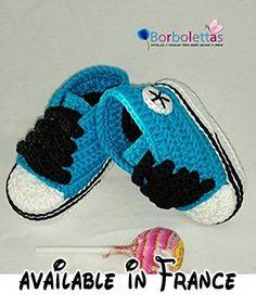 Des Chaussons pour un Bébé Noveau-né, type Converse, Bleu-Noir, 0-3 mois. Fait à la main. Crochet. España.  #Guild Product #GUILD_BABY