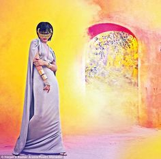 Rihanna looks breathtaking in Harper's Bazaar Arabia cover. Rihanna looks way better with her dress on. Rihanna Photoshoot, Rihanna Cover, Rihanna Daily, High Fashion Shoots, Rihanna Looks, Harper's Bazaar, Fashion Magazine Cover, Rihanna Fenty, St Michael