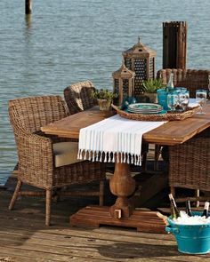 William Sonoma Home, Balustrade Dining Table