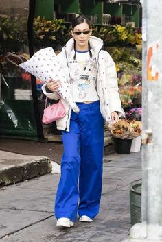 Bella Hadid Out Shopping in New York Bella Hadid Outfits, Bella Hadid Style, Cool Outfits, Casual Outfits, Fashion Outfits, Womens Fashion, Fasion, Fashion Ideas, Fashion Inspiration