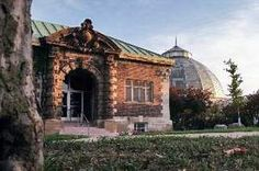 The Belle Isle Aquarium, with the Conservatory in the background. / 2009 photo by Kathleen Galligan/DFP