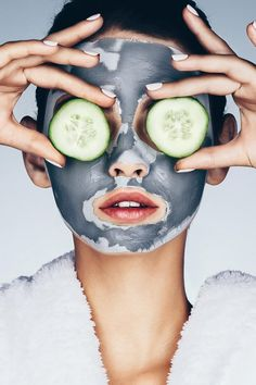 Aquaponics For Beginners Refferal: 8229382659 Homemade Facial Mask, White Face Mask, Hairstylist Business Cards, Skin Detox, House Of Beauty, Anti Aging, Face Treatment, Skin Care Tools, Jenna Coleman